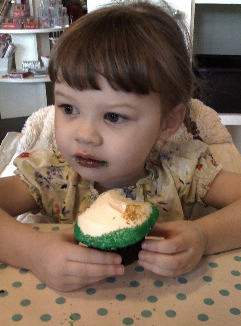Naomi birthday cupcake