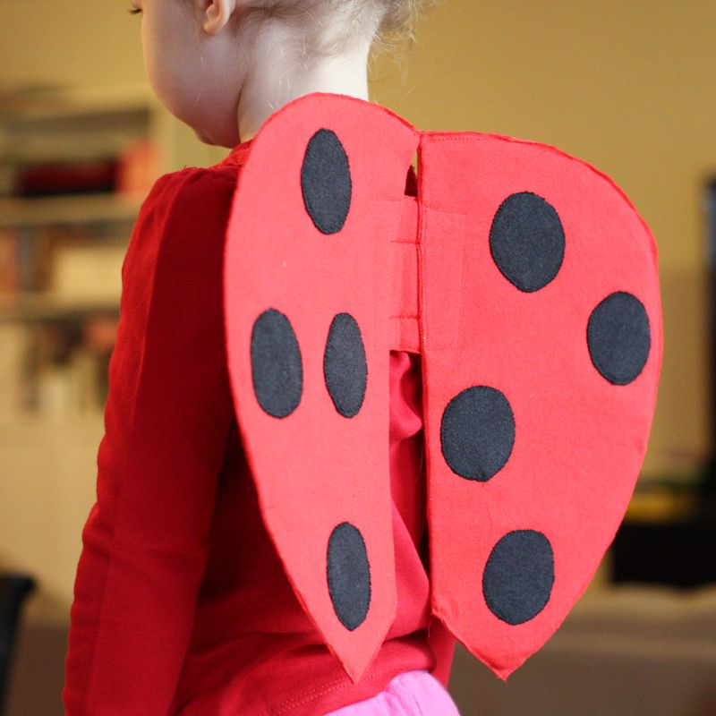 Handmade dress up diy very quick ladybug wings tutorial andreas my daughter changed her mind about her halloween costume 3 days before halloween i searched for ladybug costume ideas and came up with a few cute examples solutioingenieria Images