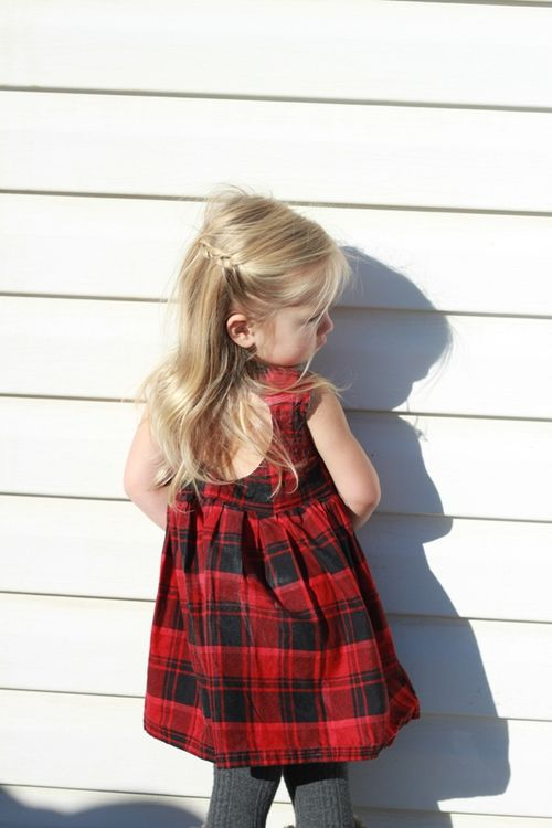 Sweetheart dress in red plaid