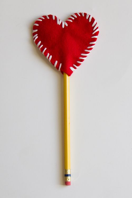 valentine felt heart pencil topper
