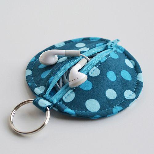 earbud zip pouch keychain
