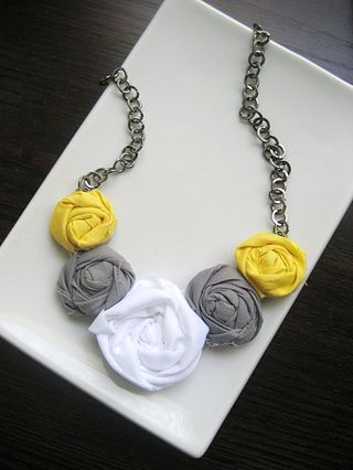 how to make a rosette necklace
