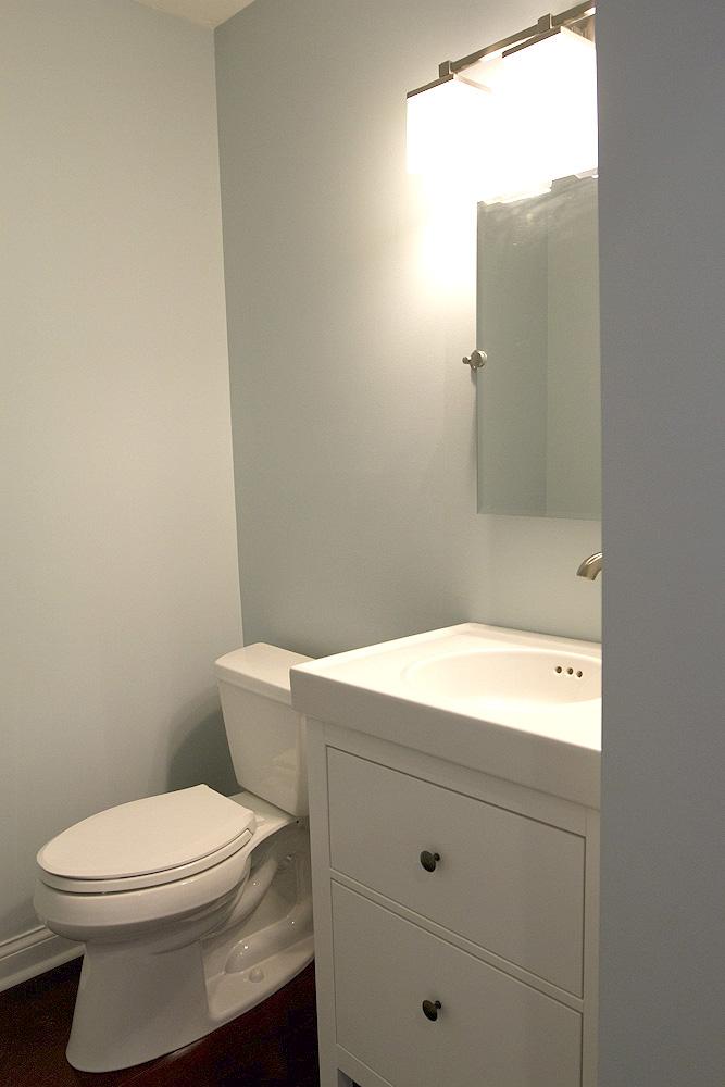Bathroom faucet (3 of 3)
